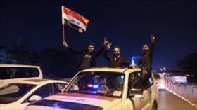Iraquíes festejan demolición de barreras hechas por EEUU en 2003