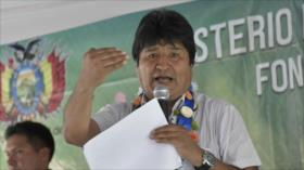 Morales: Uribe y otros expresidentes críticos defienden al imperio