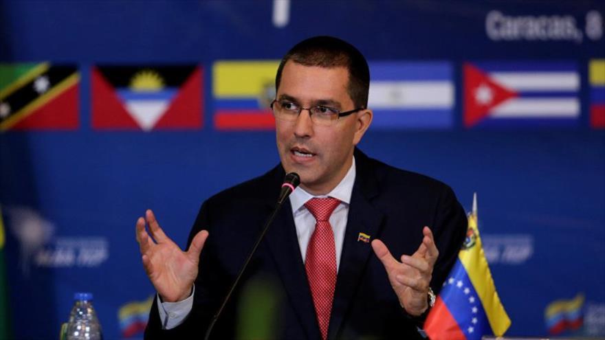 Caracas rechaza postura 'cínica' de EEUU ante maniobras con Rusia