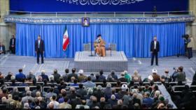 Líder de Irán advierte de posibles conspiraciones contra su país