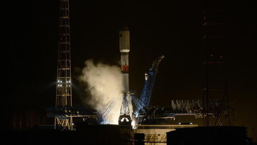 El misil portador Soyuz-2.1b, dotado del sistema de navegación satelital Glonass-M, instalado en la base espacial rusa de Plesetsk, 17 de junio de 2018.
