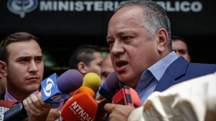 Cabello se burla de 'locura' de oposición venezolana por aviones rusos