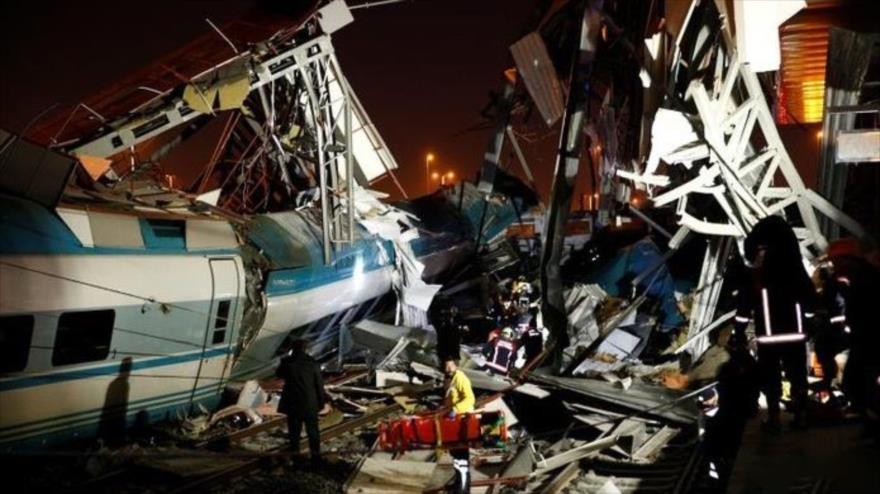 Vídeo: Accidente de tren en Turquía deja 9 muertos y 47 heridos