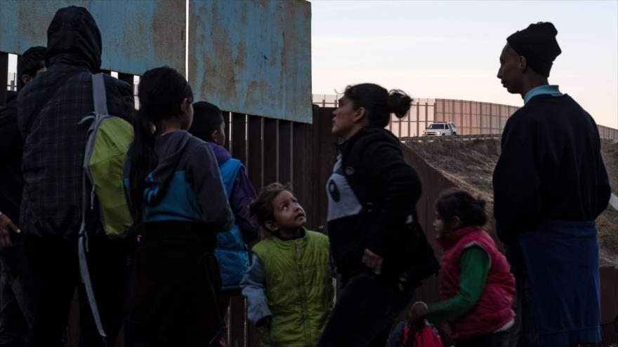 Migrantes centroamericanos en la frontera entre México y EE.UU. en Tijuana, 12 de diciembre de 2018. (Foto: AFP)