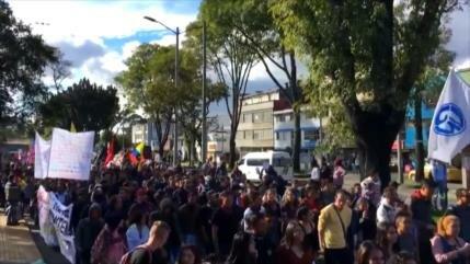Estudiantes colombianos marchan contra políticas de Iván Duque