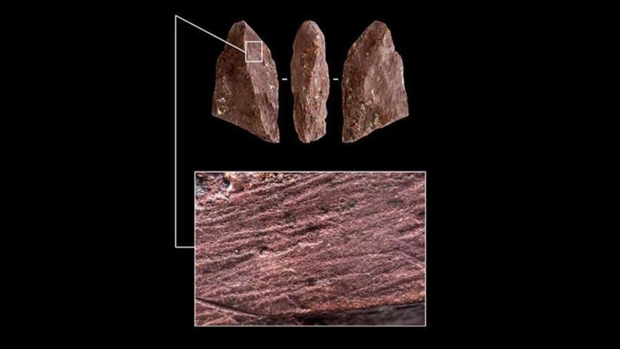 El 'lápiz' prehistórico, hallado en una cueva en Siberia, en Rusia. (Foto: Instituto ruso de Arqueología y Etnografía)