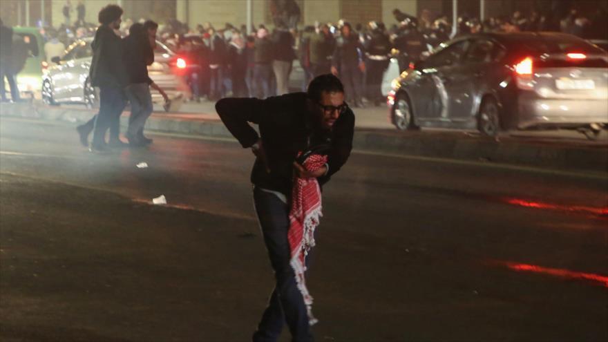 Miles de jordanos protestan en Amán contra aumento de impuestos