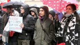Estudiantes italianos marchan contra falta de inversión educativa