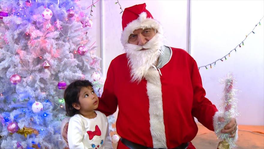 Cristianos iraníes celebran un mercado de caridad antes de Navidad