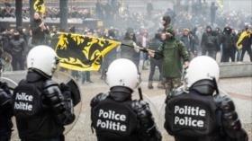 La Policía belga reprime protestas con gases lacrimógenos