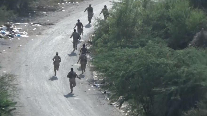 Vídeo: Milicianos y soldados saudíes huyen ante avances de yemeníes