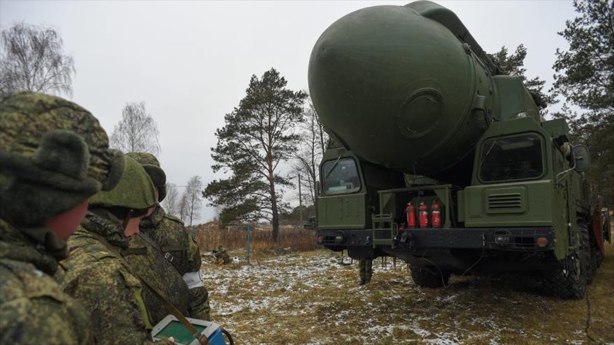Tropas de Misiles de Designación Estratégica de la Federación Rusa (RVSN, en ruso) prueban un misil.