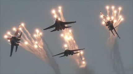 Rusia enviará más de 10 cazas Sujói a Crimea para encarar a Kiev