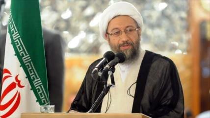 Irán tilda de 'ridícula' creación de coalición de EEUU contra EIIL