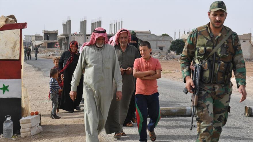 Fuerzas sirias desplegadas en el cruce de Abu Duhur, al este de la provincia Idlib, 23 de octubre de 2018. (Foto: AFP)