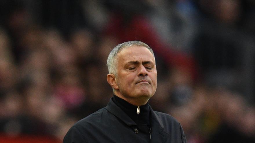 El técnico portugués del Manchester United, José Mourinho, hace un gesto durante un partido de su club y el Newcastle, 6 de octubre de 2018. (Foto: AFP)
