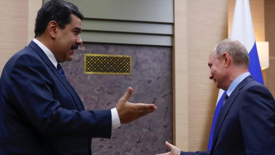 El presidente venezolano, Nicolás Maduro (izda.), y su par ruso, Vladimir Putin, reunidos en el Kremlin, 5 de diciembre de 2018.