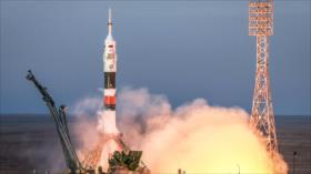 Tres astronautas de EEI regresan a la Tierra después de 197 días