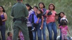 Juez de EEUU invalida restricción de Trump sobre asilo a migrantes