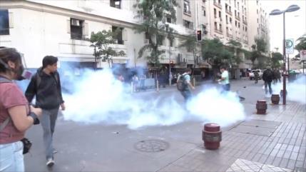 Enfrentamientos entre Policía y manifestantes en Santiago de Chile