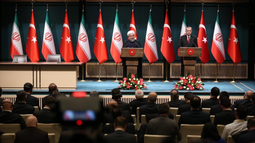"""Rohani condena medida """"cien por ciento terrorista"""" de EEUU contra Irán"""