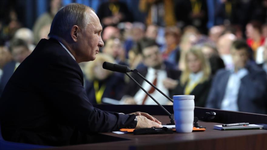 Putin: A medida que mundo se aleja de dólar, papel de rublo crece | HISPANTV