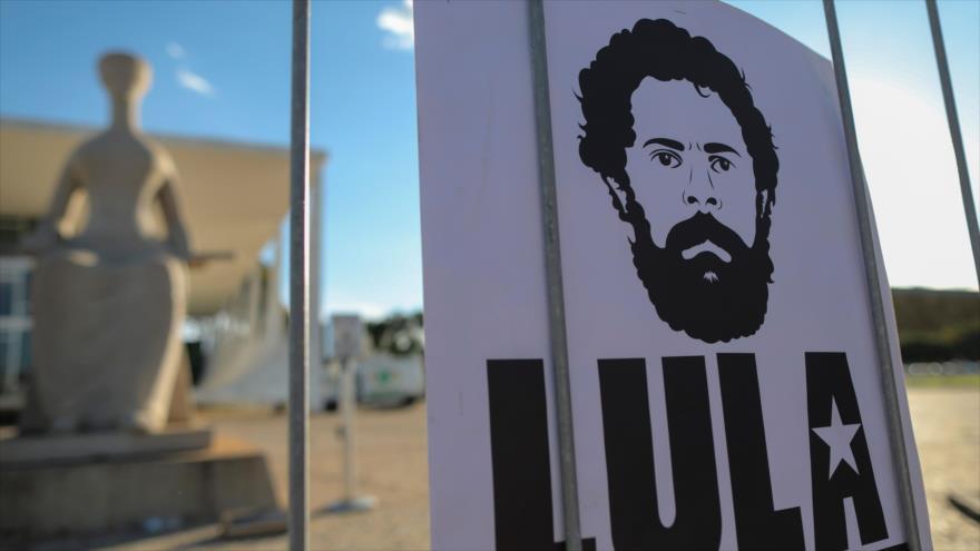 Tribunal Supremo de Brasil suspende fallo que podría liberar a Lula