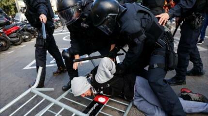 Catalanes bloquean carreteras en protesta contra Madrid
