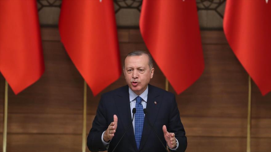 El presidente tuco, Recep Tayyip Erdogan, habla en un acto público en Ankara, capital, 19 de diciembre de 2018. (Foto: AFP)