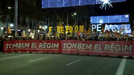 Protestas masivas en Cataluña contra reunión con Gobierno central