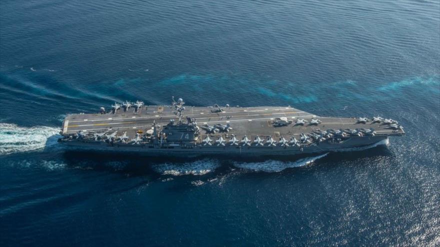 El portaviones estadounidense USS John C. Stennis en el océano Pacífico.