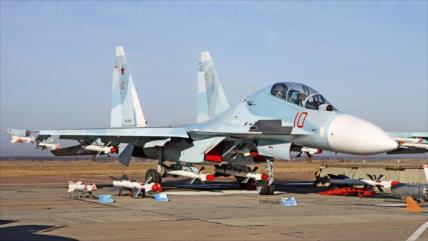 Vídeo: Llegan más de 10 cazas rusos a una base áerea en Crimea