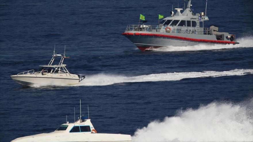 Barcos iraníes escoltan portaviones de EEUU en el Golfo Pérsico | HISPANTV