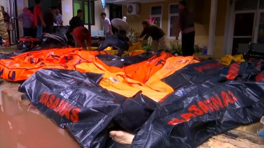 Aumenta a 222 número de muertos por tsunami en Indonesia