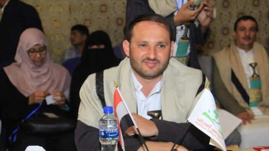 Secretario general del Buró Político de Ansarolá, Fadhel Abutaleb, pronuncia un discurso en un evento en Saná.