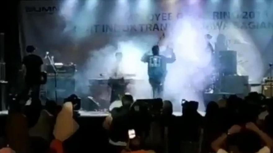Tsunami de Indonesia arrasa el concierto de una banda local
