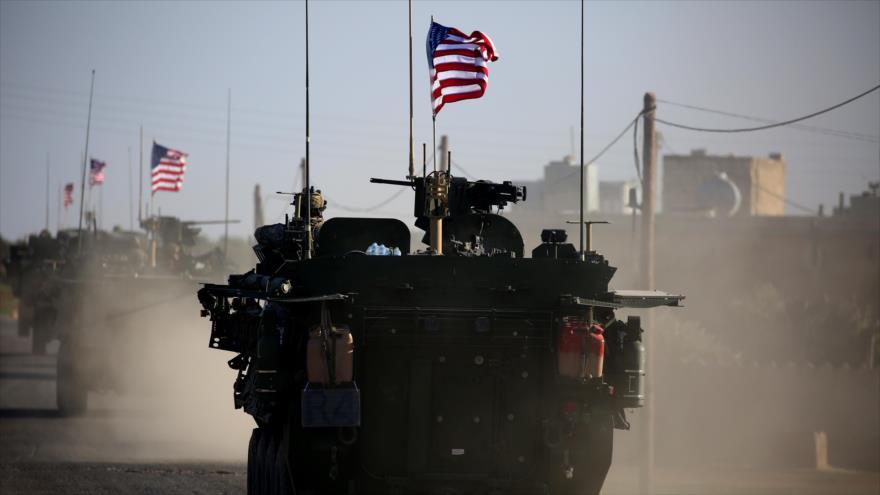 Un convoy militar estadounidense en la aldea Yalanli, ubicada en el oeste de la ciudad siria de Manbiy, 19 de diciembre de 2018. (Foto: AFP)