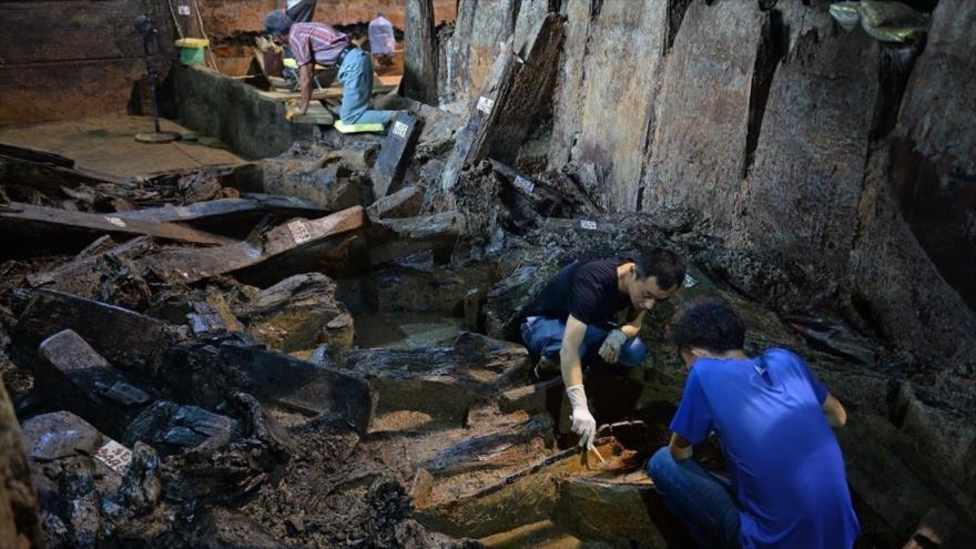 Arqueólogos realizan obras de excavación de tumbas de la dinastía Han Occidental en Nanchang, China