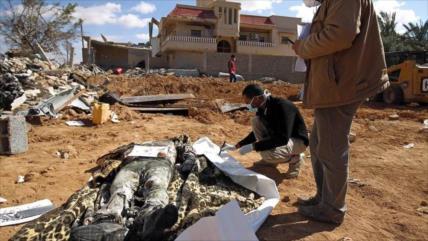 Libia recupera 34 cuerpos de una fosa común de Daesh