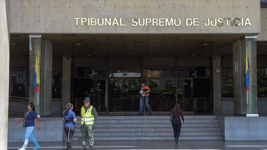 Venezuela condena a 9 militares golpistas a prisión