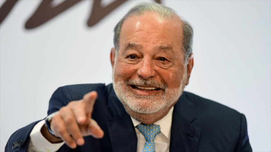 El magnate mexicano Carlos Slim habla durante una conferencia de prensa en la Ciudad de México, 16 de abril de 2018. (Foto: AFP)