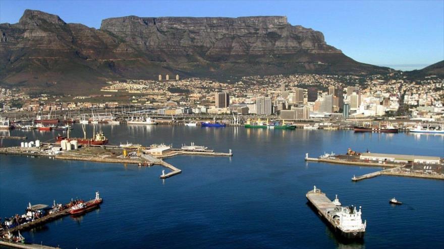 Puerto de la Ciudad del Cabo, la segunda ciudad más poblada de Sudáfrica.