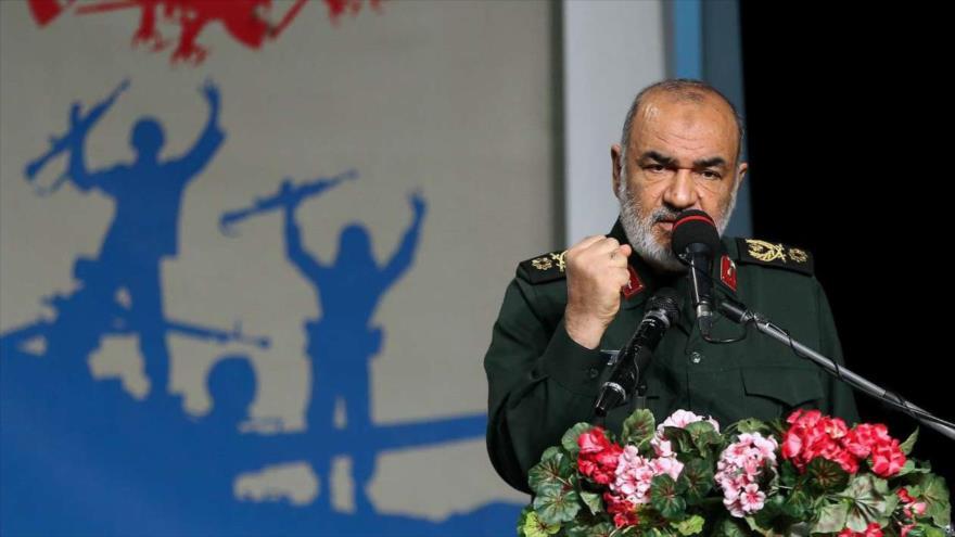 El comandante en jefe adjunto del CGRI, el general de brigada Hosein Salami, habla en una reunión en Teherán, 19 de diciembre de 2018. (Foto: IRNA)