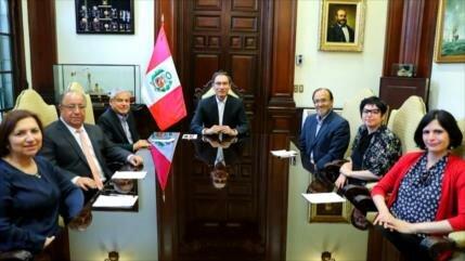 Polémica en Perú por creación de comisión para reforma política