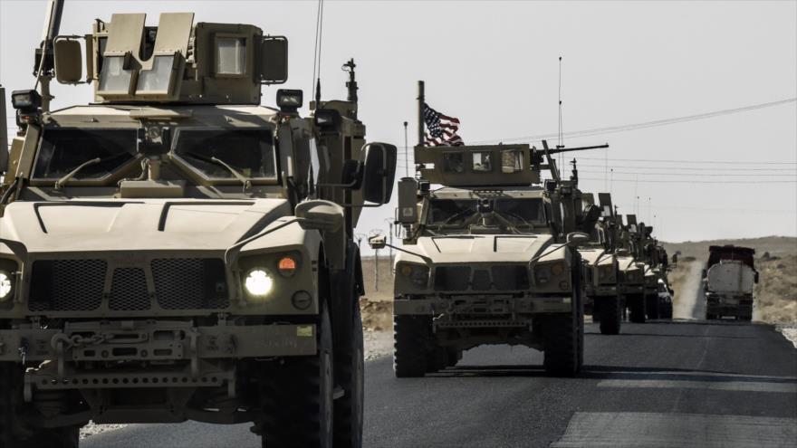 Un convoy militar de Estados Unidos conduce por una carretera que va de Kobani (norte de Siria) a la ciudad de Ain Isa, 29 de septiembre de 2017.