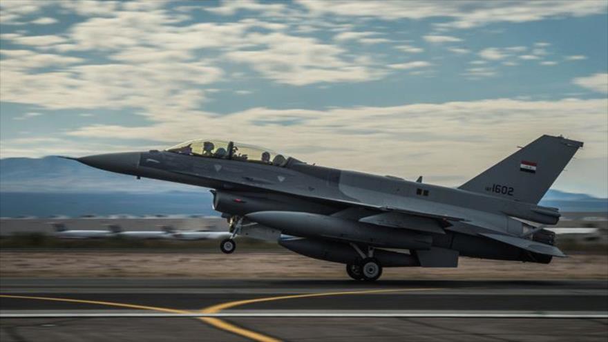 Un avión de combate F-16 de la Fuerza Aérea iraquí.