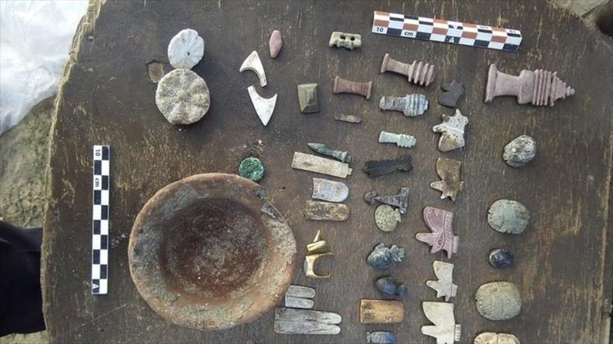 Objetos hallados en la ciudad de Damietta, en el norte de Egipto, 30 de diciembre de 2018.