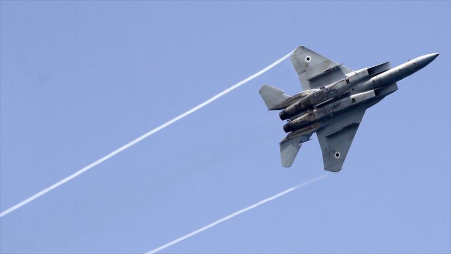 Un caza F-15 israelí durante un espectáculo aéreo, 12 de abril de 2018. (Foto: AFP)