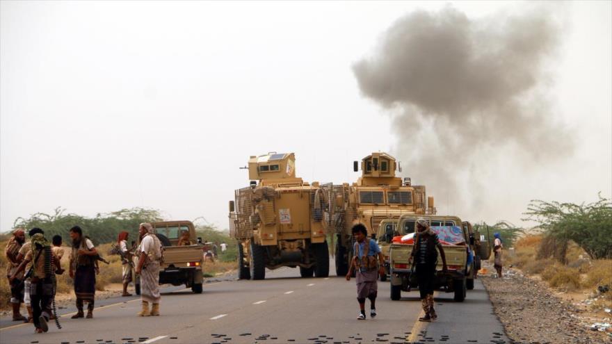 Mercenarios apoyados por Arabia Saudí, desplegados en la parte oriental de la ciudad yemení de Al-Hudayda, 9 de noviembre de 2018. (Foto: AFP)
