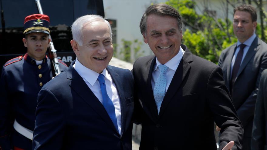El presidente electo de Brasil, Jair Bolsonaro (dcha.) y el premier israelí, Benjamín Netanyahu, Río de Janeiro, 28 de diciembre de 2018. (Foto: AFP)